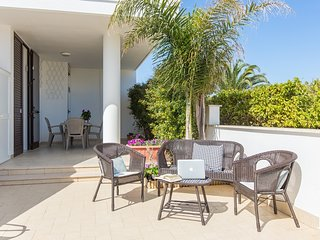Villa Isoletta 350 meters from the beaches