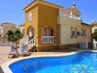 (466) Casa Ivar 3 bed villa private pool full air-con Wi-Fi close to amenities