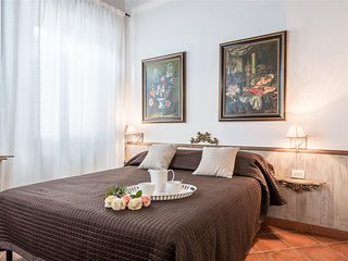 Arnolfo Elegant Apartment