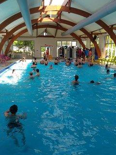 piscine intérieure chauffée ouverte de mars à novembre température moyenne 29°c
