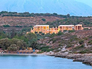3 bedroom Villa in Loutráki, Crete, Greece : ref 5433474