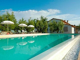 2 bedroom Apartment in Cacciapolli, Tuscany, Italy : ref 5550109