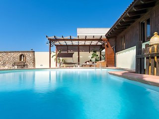 Marina di Mancaversa Villa Sleeps 9 with Pool Air Con and WiFi - 5586482