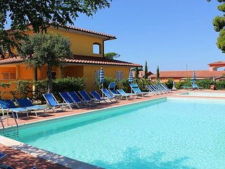 Casa Botrona Villa Sleeps 6 with Pool Air Con and Free WiFi - 5229009