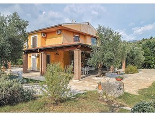 7 bedroom Villa in Itri, Latium, Italy : ref 5541094