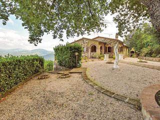3 bedroom Villa in La Sassa, Tuscany, Italy : ref 5585682