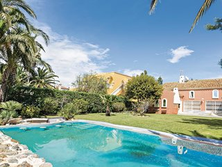6 bedroom Villa in Urbanización Roquetas de Mar, Andalusia, Spain : ref 5585672