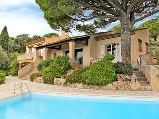 4 bedroom Villa in Sainte-Maxime, Provence-Alpes-Cote d'Azur, France : ref 54360