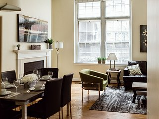 Attractive Garrison Street Apartment by Stay Alfred
