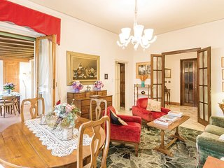 3 bedroom Apartment in Florence, Tuscany, Italy : ref 5549796