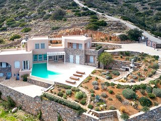 6 bedroom Villa in Atzimpragá, Crete, Greece : ref 5364773
