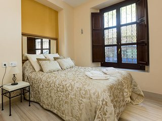 In the Centre of Seville: Modern Apartment between Guadalquivir and Alameda