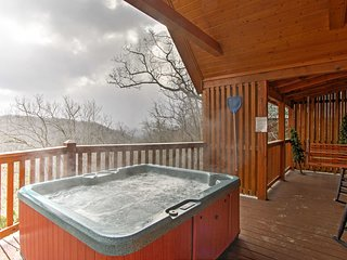 NEW! Sevierville Cabin w/ Deck & Smoky Mtn Views!
