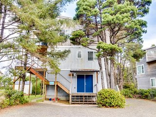 Dog-friendly beach duplex w/ multiple decks, private hot tub, & Jacuzzi bathtub