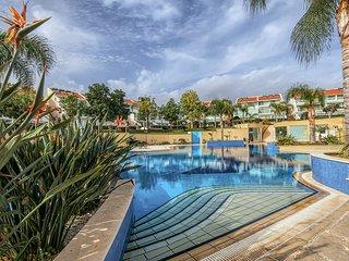 3b Garden Pool apt - Lighthouse Beach