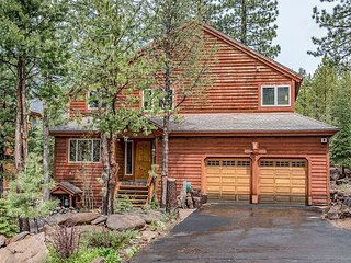 Newly Remodeled Tahoe Donner Greenbelt Home w/ 3 Bedroom Suites