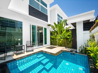2 Bedroom Pattaya Colibri Pool Villa