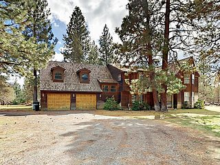 5BR/3.5BA w/ Hot Tub, Fireplaces on 5-Acre Lot ? Mins to Town, Ski Slopes