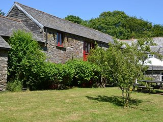 DAVCO Barn situated in Boscastle (4.5mls E)