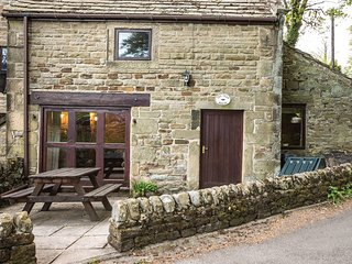 PK478 Cottage situated in Eyam (1.6mls N)