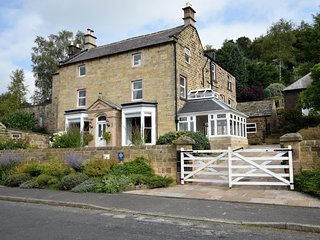 PK861 House situated in Matlock Bath (3.4 mls E)