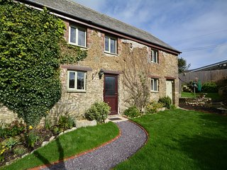 ROWCO Cottage situated in Looe (6mls E)