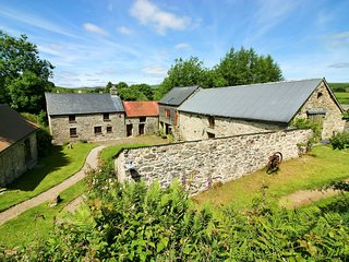 36683 Barn situated in Widecombe-in-the-Moor (2mls W)