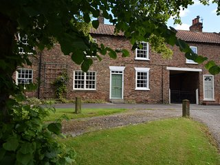 52796 Cottage situated in Easingwold