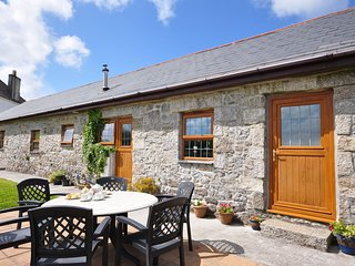 CONWI Barn situated in Falmouth (8mls W)