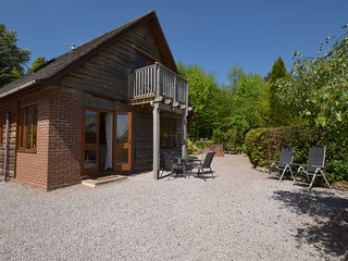 CC030 Log Cabin situated in Clifton-on-Teme