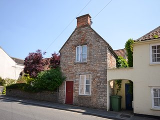 42STT Cottage situated in Wells