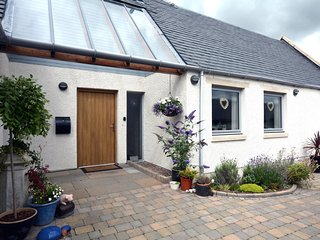 45798 Cottage situated in St Andrews (9mls SW)