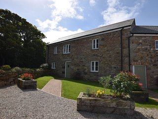FODRY Barn situated in St Ives (6mls SE)