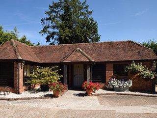 46339 Barn situated in Petersfield (3mls SE)