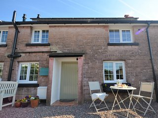 43409 Cottage situated in Kidwelly