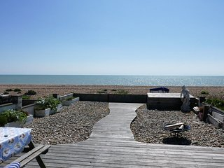 50842 Cottage situated in Pevensey Bay (1.5mls W)