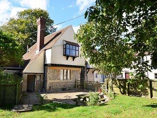 WESLO House situated in Lyme Regis (3mls W)