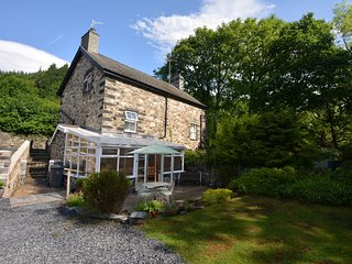 52056 House situated in Betws-y-coed