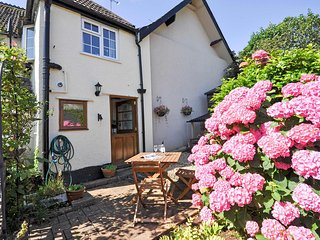 COUR1 Cottage situated in Minehead