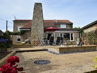 53121 House situated in Hunstanton (1.5mls NE)