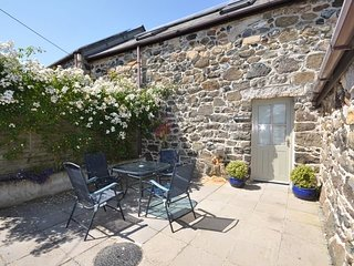 TRWRE Cottage situated in Coverack (1ml S)