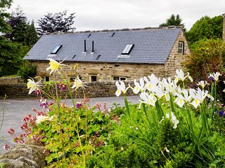PK454 Cottage situated in Curbar