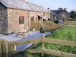 IVYST Barn situated in Bude (2mls E)