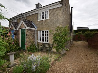 52816 Cottage situated in Saxmundham (2.5mls SE)