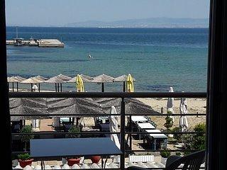 Dionysos Seafront Studios, location de vacances à Aggelochori
