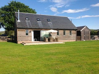 51470 House situated in Kirriemuir (5.5mls W)