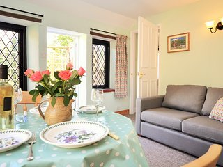29117 Cottage situated in Sherborne (8mls SE)