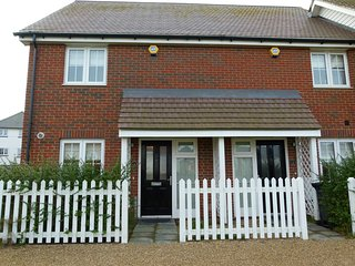 BT086 Cottage situated in Camber