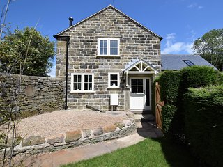 49757 Cottage situated in Baslow (5.6 mls E)