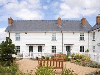 BT084 Cottage situated in Camber